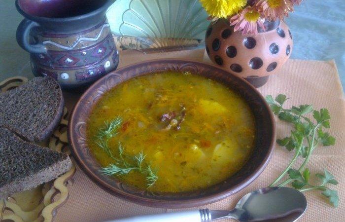 гороховый суп со свиными косточками