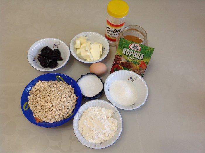 Ингредиенты для овсяного печенья с черносливом