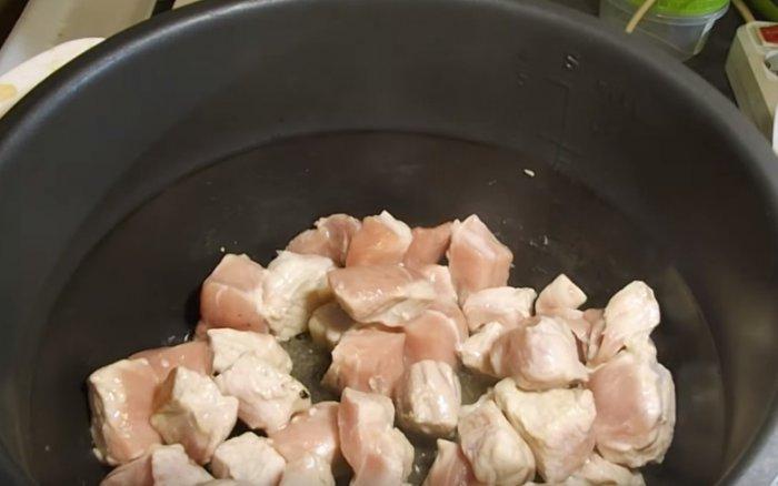 Обжарка свиного мяса в мультиварке