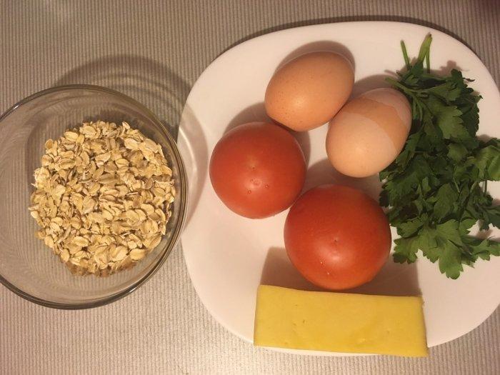 Овсянка, сыр и помидоры
