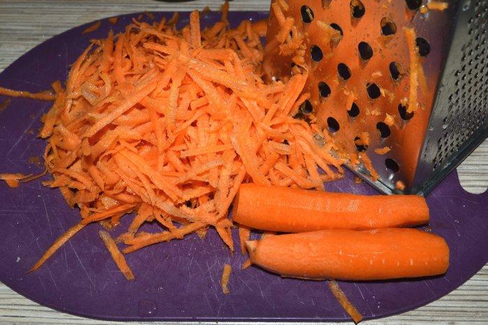 Тертая морковь для паштета