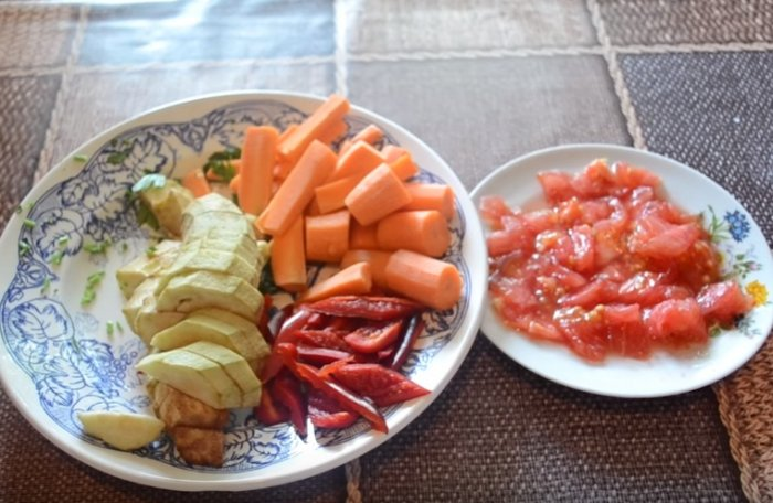 Овощи для запекания со свиными ребрышками