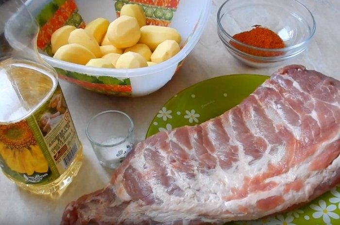 Свиные ребра и картошка
