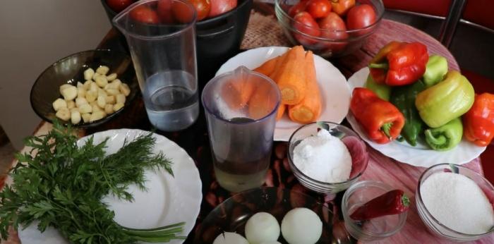 Ингредиенты для помидор по-корейски с морковью и перцем