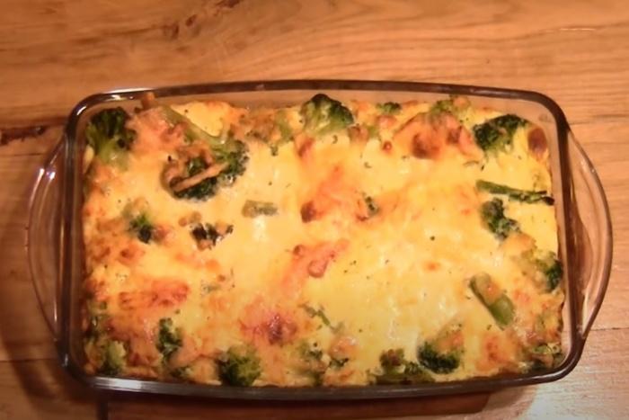 Запеканка из брокколи с сыром и яйцом
