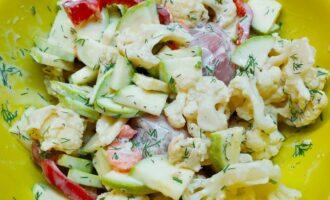 Куриная грудка и овощи в маринаде