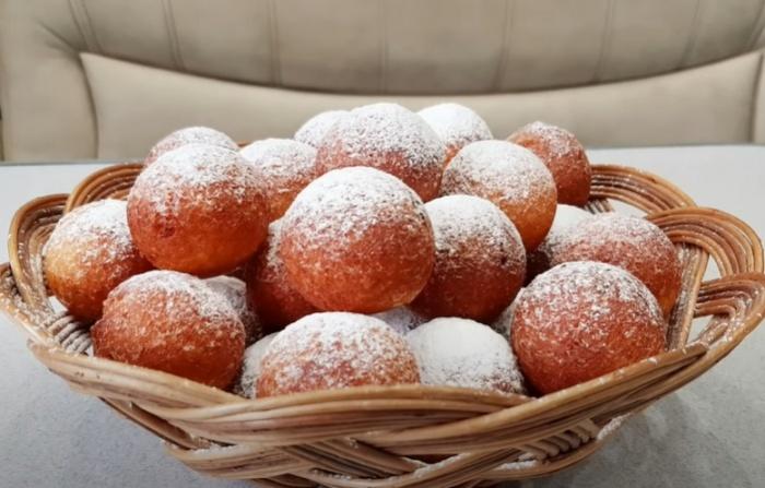 Творожные шарики с содой, жаренные на сковороде