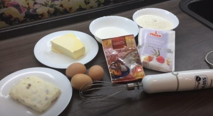 Творожная масса, яйца и масло