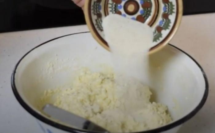 Творожное тесто с манкой