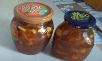 Варенье из ревеня с яблоком и апельсином в банках