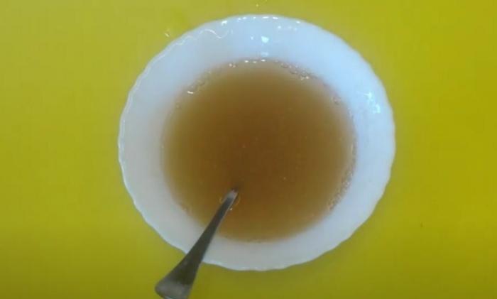 Желатин разбавленный теплой водой