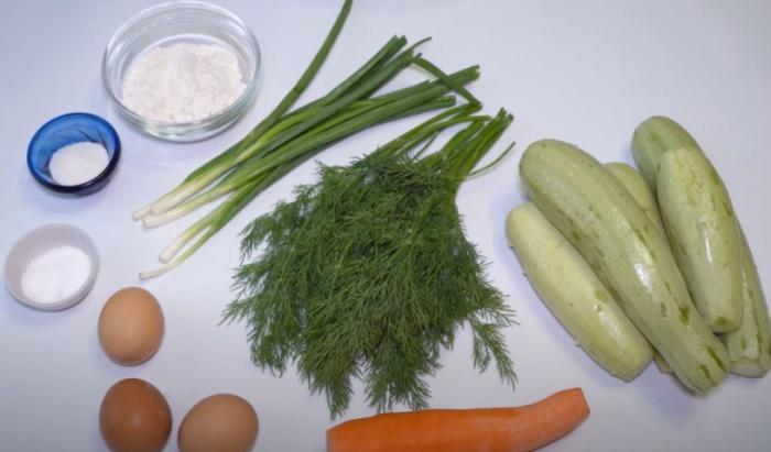 Морковь, кабачок и зеленый лук