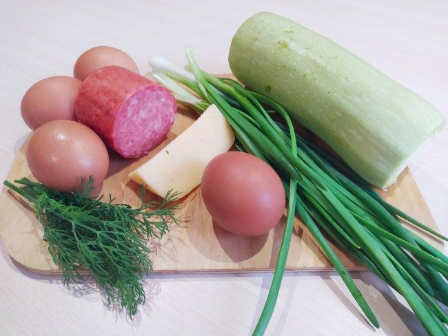 Кабачок, сыр, колбаса для оладий