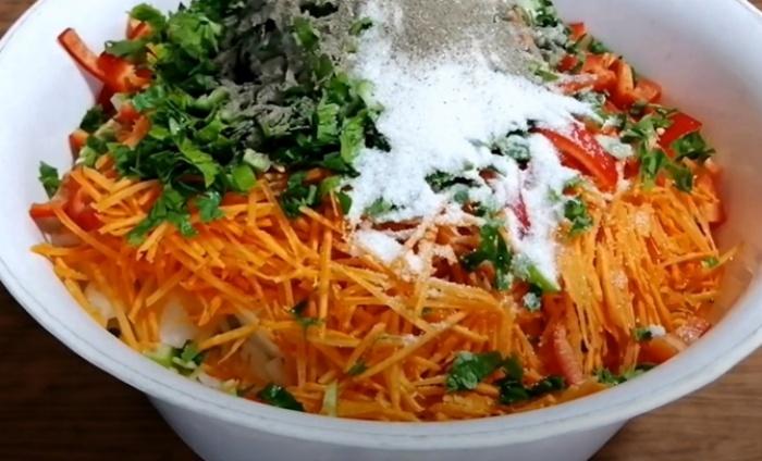 Овощи смешанные с кабаком для рецепта по-корейски