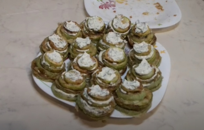 Жареные кабачки с майонезом и чесноком