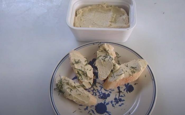 Масло селедочное с плавленным сыром и яйцом